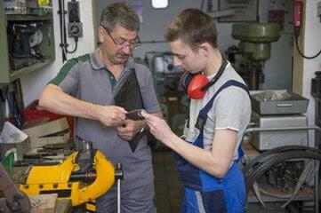 Jeune Et Salarié Industrie